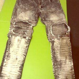 Other - Victorious Men's distressed jeans BNWT